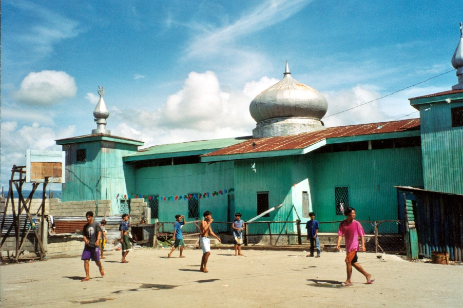 Mindanao_mosque_football
